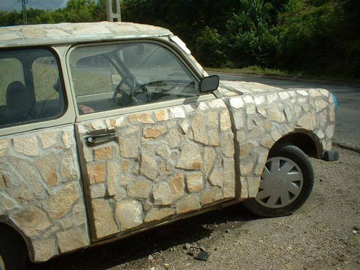 Un automóvil muy original.