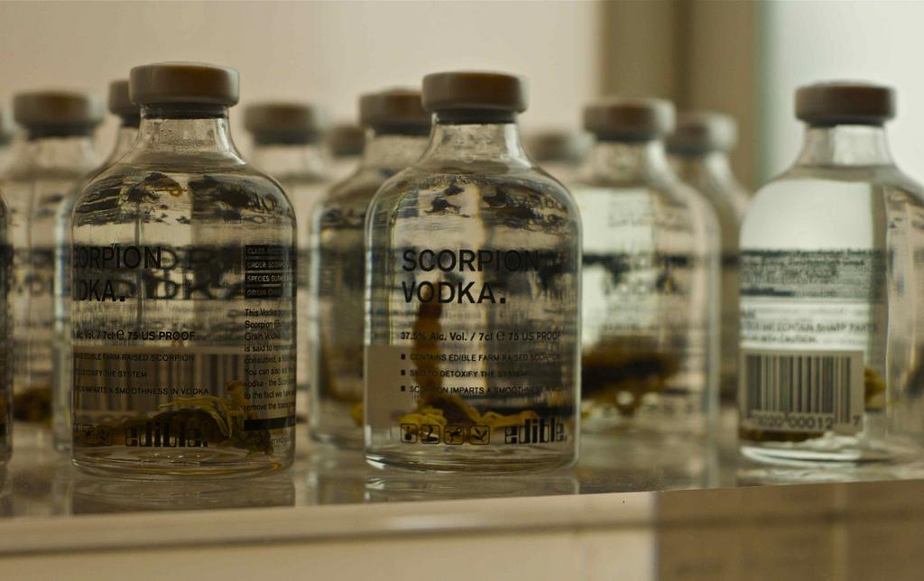 Vodka con escorpiones.