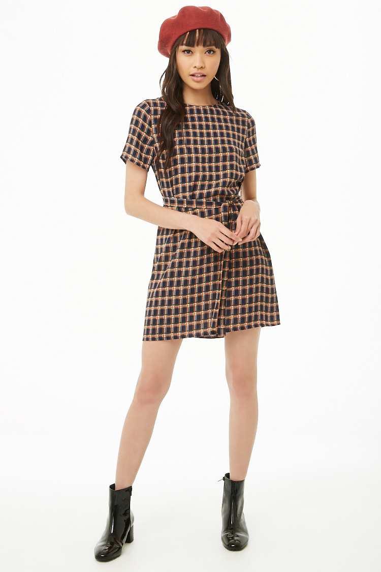 7d92cbd0c01 Hermosos vestidos económicos de F21 que puedes lucir en muchas ...