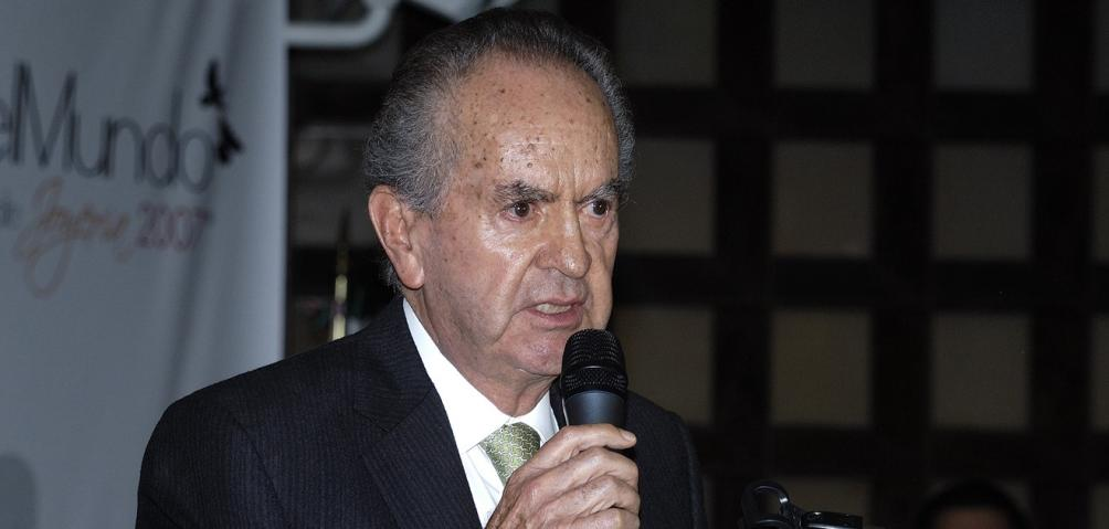 Alberto Baillères González.