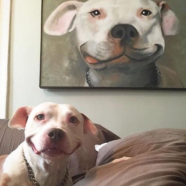 La pintura con la expresión exacta del perrito.