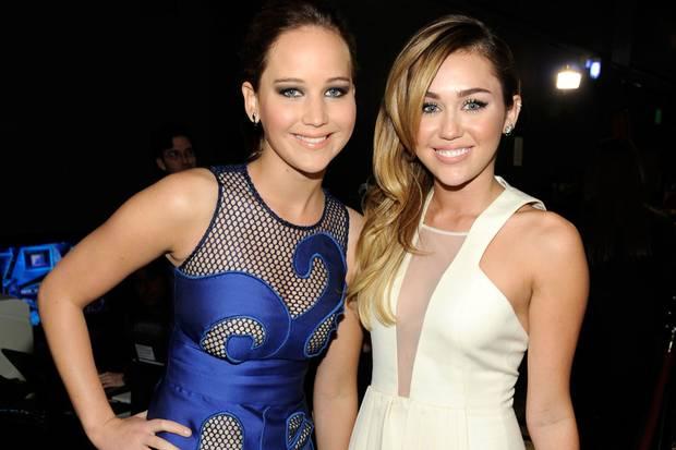 Jennifer Lawrence y Miley Cyrus.