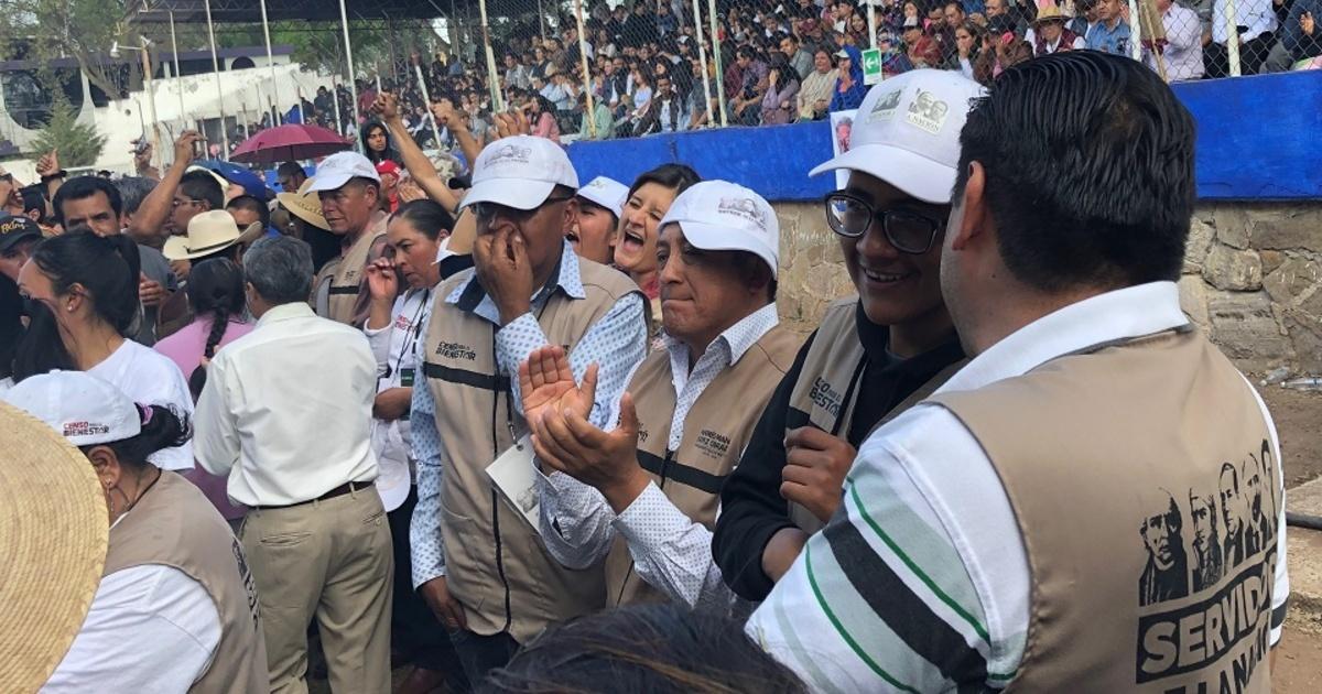 Promotores del voto para AMLO en 2018, ahora censan y repartirán tarjetas del Bienestar