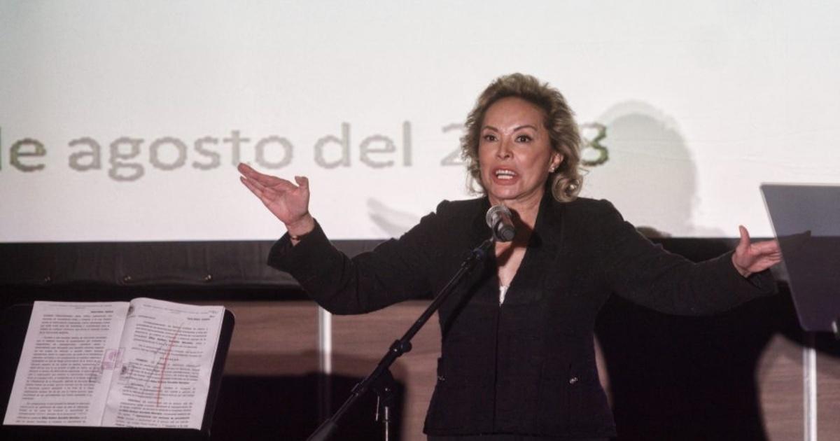 Sigo siendo presidenta del SNTE, yo tengo el liderazgo, Juan Díaz la chequera: Elba Esther Gordillo
