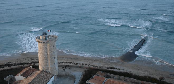 El extraño fenómeno de las olas cuadradas en una isla de Francia