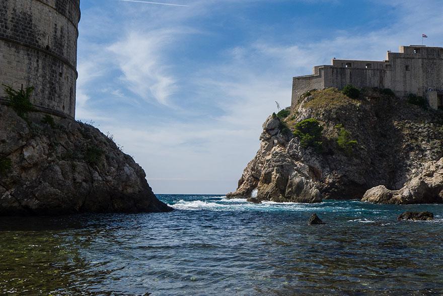 Fuera de las murallas de Dubrovnik Old Town.